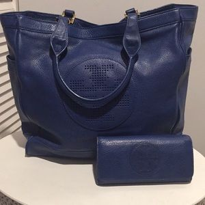 ❤️ Beautiful Tory Burch Tote and wallet ❤️